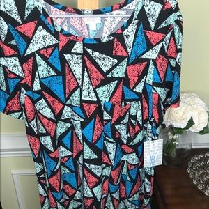 Lularoe XL Carly Black Background with Triangles